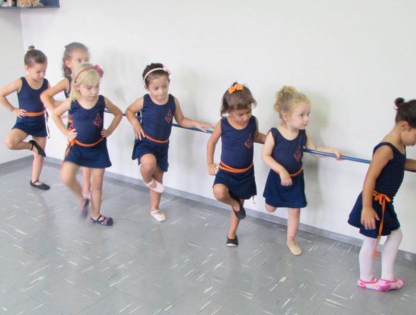 pinguinho-de-gente-itu-aula-de-ballet-012