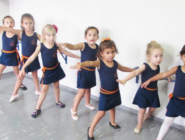 pinguinho-de-gente-itu-aula-de-ballet-013